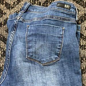 Kut Lauren crop straight leg jeans
